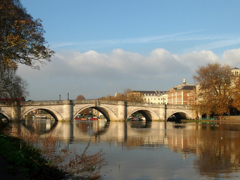 Richmond Upon Thames, Richmond Bridge Crossing Between North and South London