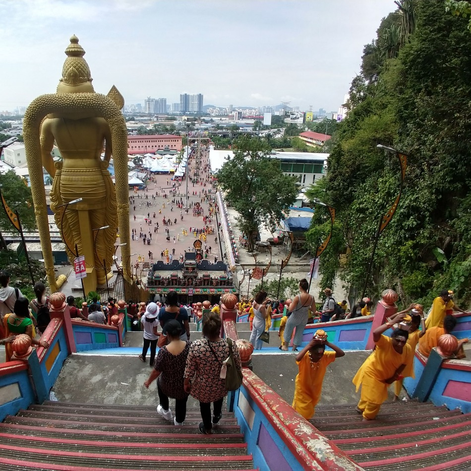 Batu Caves Kuala Lumpur is near major roads or freeways