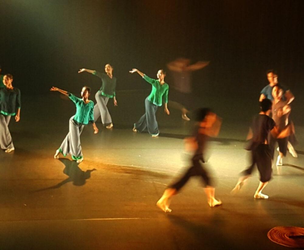 Dance performance Vietnam suitable for kids
