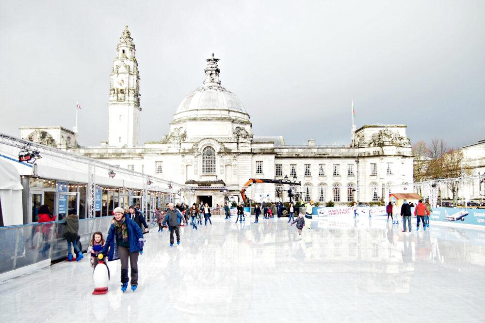 ice rink UK CHRISTMAS MARKETS